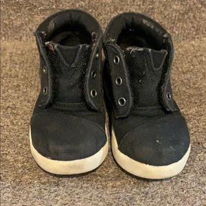 Tom's black high too canvas sneakers